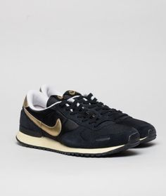 Nike Sportswear - Nike Air Vortex (vntg) Black & gold!