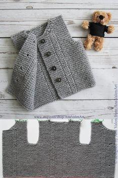 Gray Baby Vest pattern by Ana Valen Baby Cardigan, Cardigan Bebe, Baby Pullover, Crochet Cardigan, Love Knitting, Hand Knitting, Knitting Ideas, Baby Born Kleidung, Knit Vest Pattern
