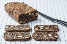 This Thermomix Seed Bread is the best alternative to a traditional loaf and it totally gluten free and vegan. A healthy bread recipe to start your day. Brownie Recipes, Cookie Recipes, Snack Recipes, Yummy Recipes, Free Recipes, Keto Recipes, Thermomix Bread, Healthy Bread Recipes, Paleo Bread
