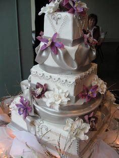 Purple Silver White Multi-shape Wedding Cakes Photos & Pictures - WeddingWire.com