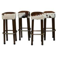 Cowhide Bar Stools Set Of 4 Vintage Brown Furniture Cowhide Furniture, Brown Furniture, Vintage Furniture, Diy Furniture, Rustic Cabin Decor, Western Decor, Cowhide Bar Stools, Bar Stool Makeover, Cowboys Bar
