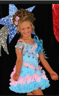 Pretty Glitz Pageant, Pageant Hair, Beauty Pageant, Girls Fancy Dresses, Girls Pageant Dresses, Toddlers And Tiaras, Miss Usa, Little Girl Hairstyles, Hello Dolly