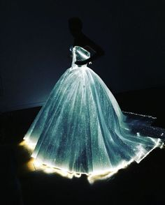 Claire Danes' Zac Posen Light-Up Gown