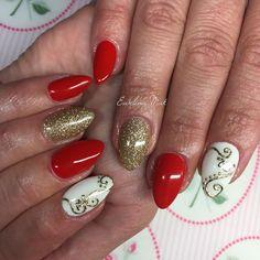 Reds, gold glitter and nail jewellery #nails #nail #nailart #nailbar #nailsdid #nailjewellery #shiny #gold #gelpolish #red #biżu #instagood #instalike #złote #czerwone #paznokcie #pazurki #paznokiet