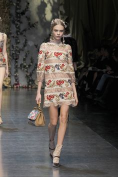 This Dolce and Gabbana Dress (Spring shows off a new way of seeing lace. I would love to see a room draped in these fabrics (hmmm maybe not what they had in mind) Latest Fashion Trends, Runway Fashion, High Fashion, Fashion Show, Fashion Design, Ladies Fashion, Haute Couture Dresses, Stylish Outfits, Makeup Looks