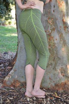 Leaf print leggings
