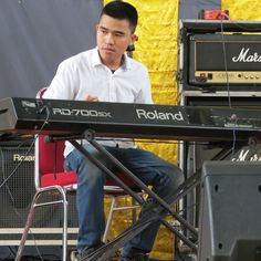 Keyboardist @guta saputra