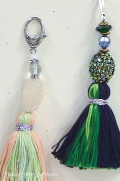 How to Make a DIY Tassel Keychain Learn how to make a beautiful Boho DIY … – Diy Jewelry To Sell Diy Keychain, Tassel Keychain, How To Make Keychains, Keychain Ideas, Beaded Jewelry, Handmade Jewelry, Beaded Bracelets, Handmade Beads, Handmade Keychains