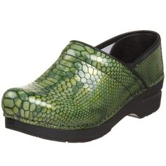 Dansko Women's Professional Clog Nursing Clothes, Nursing Outfits, Clogs Shoes, Oxford Shoes, Professional Women, Loafers Men, What To Wear, Dress Shoes, Snake