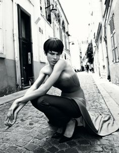 Aymeline Valade in 'The Eye of the New' - Photographed by Patrick Demarchelier (Vogue Japan November 2012)    Complete shoot after the click...