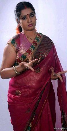 Beautiful Women Over 40, Beautiful Girl Indian, Most Beautiful Indian Actress, Beautiful Saree, Beauty Full Girl, Beauty Women, Rekha Actress, Indian Wedding Video, Indian Girls Images