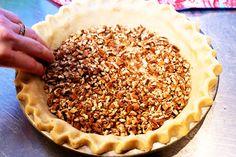Pioneer Woman's pecan pie Perfect Pie Crust, Deep Dish, Pie Dessert, Just Desserts, Pioneer Women, Pioneer Woman Recipes, Pie Recipes, Dessert Recipes, Cooking Recipes