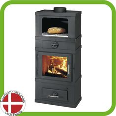 Svendsen houtkachel met open bakvak. / Svendsen wood burning stove with open baking section.
