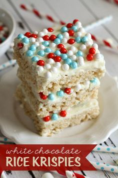 Super easy and delicious White Chocolate Rice Krispies Treats { lilluna.com }