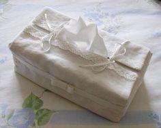Patron de couture pour recouvrir une boîte de mouchoir et la transformer en véritable objet déco.