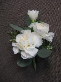 #miniature #carnation #boutonniere