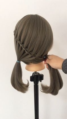 Women Casual Hair Style Every hair style that can be named leisure will certainly bring elegant temperament, making girls look as if they are the grass and trees of nature, very relaxed and… Casual Hairstyles, Little Girl Hairstyles, Curled Hairstyles, Braided Hairstyles, Cool Hairstyles, Hair Videos, Short Hair Styles, Hair Cuts, Hair Beauty