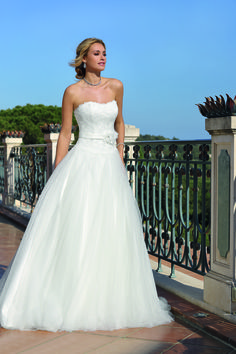 Ladybird 418055 Art 28049 Valkengoed Wedding Fashion Amersfoort