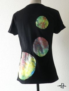 The color of the planets made with tie-dye technique, which means it's a real unique piece of art! Size: women L. 12,25 EUR If you have any questions or need more information don't hesitate to contact me on the following e-mail address.  info.freedomfactory@gmail.com
