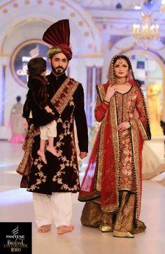 New latest bridal lehenga red couture week Ideas Latest Bridal Lehenga, Latest Bridal Dresses, Bridal Mehndi Dresses, Bridal Dress Design, Bridal Outfits, Pakistani Wedding Outfits, Pakistani Wedding Dresses, Wedding Wear, Desi Wedding