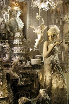 BERGDORF GOODMAN window displays |