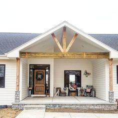 Vaulted front porch with wooden beams, ranch farmhouse - Home & DIY Front Porch Addition, Front Porch Design, Front Porch Deck, Porch Designs, Casas California, Veranda Design, Farmhouse Front Porches, Home Exterior Makeover, House With Porch
