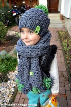 Výsledek obrázku pro háčkovaný Vzor coming soon Crochet Beanie Hat, Crochet Baby Hats, Crochet Clothes, Hat And Scarf Sets, Textiles, Kids Hats, Crochet For Beginners, Crochet Patterns, Wool