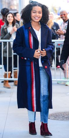 Yara Shahidi gave us major street style inspo in this menswear-inspired coat and jeans combo. Crimson velvet boots, a simple white tee, and piles of delicate jewelry completed the look. Look Fashion, 90s Fashion, Autumn Fashion, Fashion Outfits, Womens Fashion, Tokyo Fashion, Casual Outfits, Cute Outfits, Winter Outfits