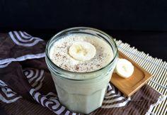 Mogyoróvajas banánturmix Glass Of Milk, Smoothie, Vitamins, Pudding, Drinks, Desserts, Food, Drinking, Tailgate Desserts