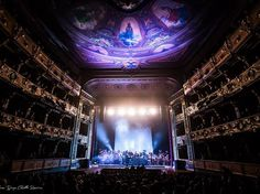 Porque después de ver un espectáculo en el Teatro Colón, tus expectativas a todos los teatros estarán por las nubes: | 35 Razones por las que vivir en Colombia es la peor idea de todas