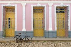 Rum, revolutionaries and retro cars – Cuba has a back-in-time appeal. Though a trip to Cuba seems undoubtedly romantic and exciting, you'll need to understand how the island works to get the best out of your visit. From visa rules to dual currencies, Cuba can be confusing for first timers. Avoid costly pitfalls and prepare properly with our practical guide.