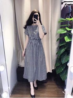 Swans Style is the top online fashion store for women. Shop sexy club dresses, jeans, shoes, bodysuits, skirts and more. Modest Dresses, Modest Outfits, Stylish Dresses, Simple Dresses, Modest Fashion, Hijab Fashion, Cute Dresses, Korean Fashion, Vintage Dresses