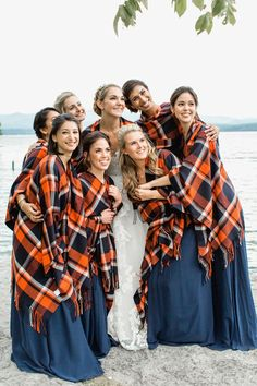 Love the idea of having blankets available for guests and the wedding party for an outdoor wedding in the fall.