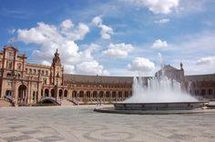 Spanish Plaza | Picfari.com
