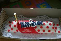 Kreatív művészet - Túró Rudi torta,Kreatív művészet - különleges torta gyerekeknek,Kreatív művészet - gyönyörű és különleges torta,Kreatív művészet - aranyos gyerektorta,Kreatív művészet -bástya alakú különleges torta,Kreatív művészet - gyönyörű torta,Kreatív művészet - iPhone torta,Kreatív művészet - különleges torta,Kreatív művészet - különleges és gyönyörű torta,Kreatív művészet - teknősbéka formájú torta, - jpiros Blogja - Állatok,Angyalok, tündérek,Animációk, gifek,Anyák napjára képek,D... About Me Blog, Petra, Fondant, Cake Decorating, Candy, Food, Essen, Meals, Sweets