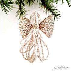 Today I want to show you how to make cheap and easy DIY christmas ornament angels made with twine and ribbon. I wanted to come up with my own idea for an angel for a while now, so we wouldn't only have stars and snowflakes in our christmas tree ('cause I don't know about you, but I...