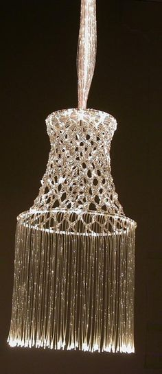 'Bobbin Lace Lamp', Niels van Eijk, 2001-2002, Collectie Textielmuseum