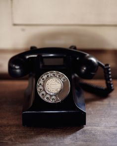 Land-line phone #vintage #telephone Photo Michael Sinclair