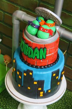 A fab cake at a Teenage Mutant Ninja Turtles Party with Lots of Really Cool… Turtle Birthday Parties, Ninja Turtle Birthday, Ninja Turtle Party, Birthday Cake, Birthday Ideas, 5th Birthday, Ninja Turtles Tattoo, Tmnt Cake, Ninja Party