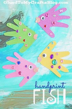 Paper Handprint Fish – Kid Craft Papier Handabdruck Fisch – Kid Craft – Summer Art Project Idea This image has. Summer Crafts For Toddlers, Summer Arts And Crafts, Summer Art Projects, Toddler Art Projects, Crafts For Teens To Make, Paper Crafts For Kids, Toddler Crafts, Art For Kids, Summer Art Activities
