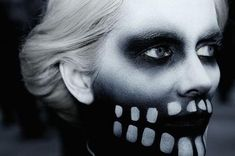 Image uploaded by Art & Soul. Find images and videos about make up, skull and Fever Ray on We Heart It - the app to get lost in what you love. Skeleton Makeup, Skull Makeup, Skeleton Face, Skeleton Hoodie, Creepy Makeup, Halloween Make Up, Halloween Face Makeup, Halloween Costumes, Halloween Ideas