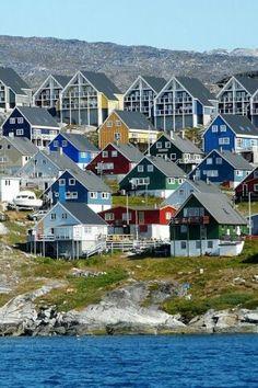 Groenlandia (en groenlandés: Kalaallit Nunaat, en danés: Grønland) es una gran isla ubicada en la zona nororiental de América del Norte, entre el océano Atlántico y el océano Glacial Ártico y, políticamente, constituida como una región autónoma perteneciente al Reino de Dinamarca, del que forma parte. Más del 84% de su superficie está cubierta de hielo y se la considera como la mayor isla del mundo. Su capital es Nuuk.