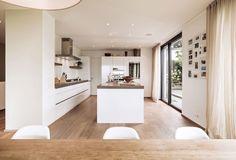 Meier Architekten Design a Luminous Contemporary Home in Uitikon, Switzerland