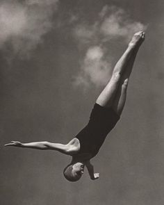 noonesnemesis:    Berlin Olympics 1936  photo by Leni Riefenstahl
