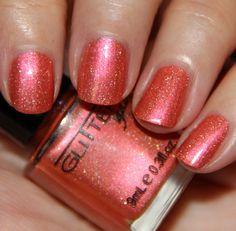 Glitter Gal( vampyvarnish.com)