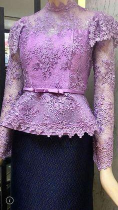 Batik Fashion, Fashion Sewing, Myanmar Traditional Dress, Traditional Dresses, Gala Dresses, Cute Dresses, Batik Dress, Lace Dress, Thailand Fashion
