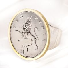 1061 > World coin ring
