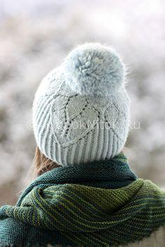 Голубая шапка от Rosemary Hill