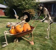 Pirate Halloween Decorations, Theme Halloween, Halloween Trees, Halloween Porch, Halloween Skeletons, Halloween Projects, Holidays Halloween, Halloween Pumpkins, Skeleton Decorations