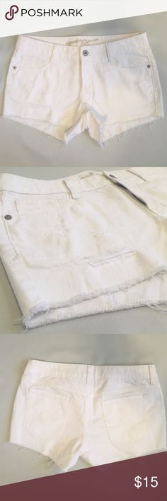 White shorts Never worn! NWOT! Let me know if you have any questions and feel free to make an offer. These shorts say a size 7 but they fit like a 5 Arizona Jean Company Shorts Jean Shorts